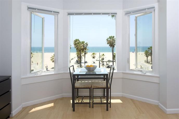 Enjoying Venice Beach on a Budget – Cheap Hotels Venice Beach