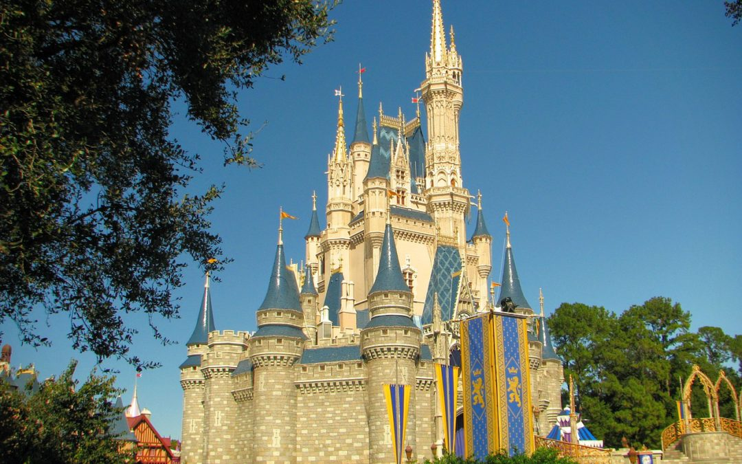 Cheap Hotels Disney World: Canadians save 25% on 4 day or longer Disney Themepark Tickets